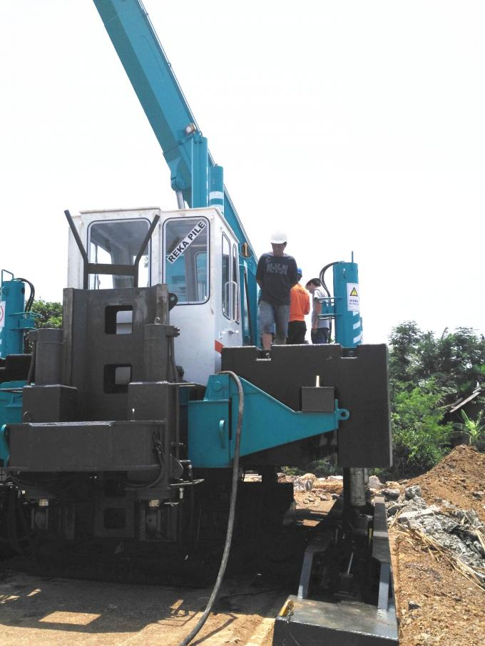 120 Ton Pile Driver Machine For Concrete Pile , Orange Mini Piling Machine